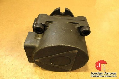 ATOS-PFE-320283DT-FIXED-DISPLACEMENT-VANE-PUMP3_675x450.jpg