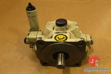 BOSCH-0-513-300-105-VARIABLE-DISPLACEMENT-VANE-PUMP_675x450.jpg