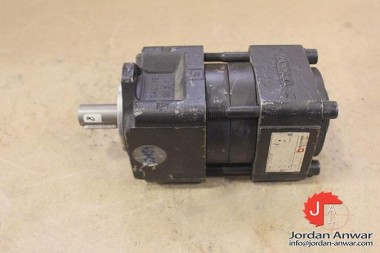 BUCHER-QT33-012R-INTERNAL-GEAR-PUMP_675x450.jpg