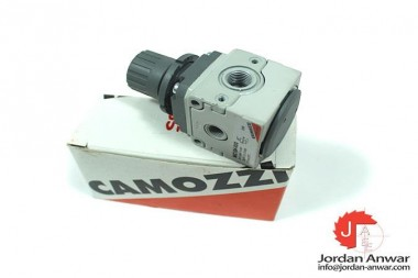 CAMOZZI-MC104-R00-PRESSURE-REGULATOR-_675x450.jpg