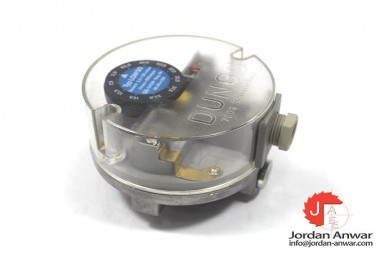 DUNGS-LGW-50-053-587-DIFFERENTIAL-PRESSURE-SWITCH3_675x450.jpg