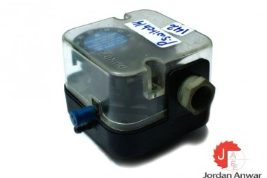 DUNGS-LGW-50-A2P-DIFFERENTIAL-PRESSURE-SWITCH_675x450.jpg