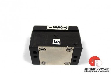 GIMATIC-JP-32-PARALLEL-GRIPPER-ACTUATOR3_675x450.jpg