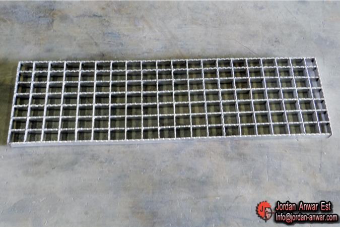 Galvanized-stair-treads-mild-Steel-Bar12_675x450.jpg