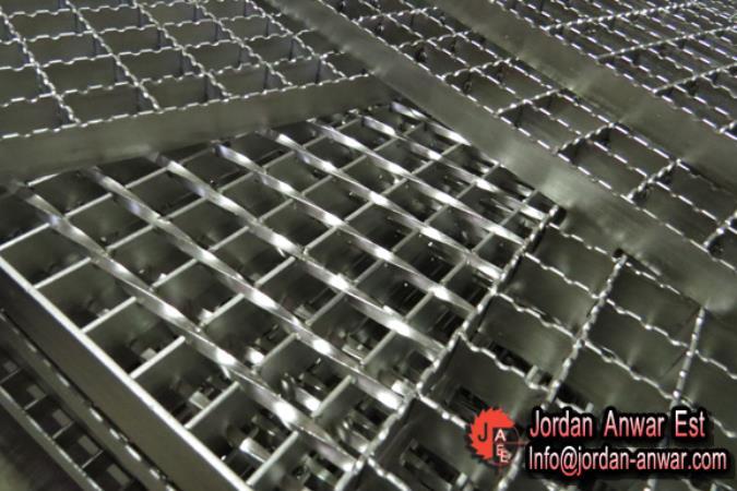 Galvanized-stair-treads-mild-Steel-Bar17_675x450.jpg