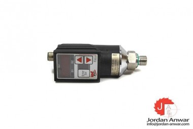 IPF-ELECTRONIC-DW35310D-PRESSURE-SWITCH3_675x450.jpg