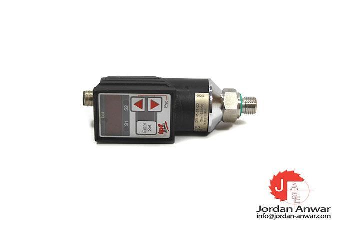 IPF-ELECTRONIC-DW35310D-PRESSURE-SWITCH3_675x450.jpg