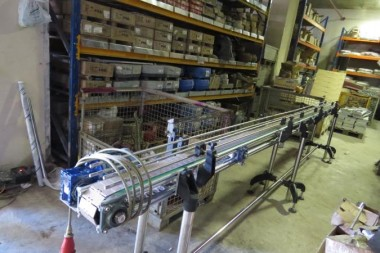 Installation-and-prepare-conveyor-system2_675x450.jpg