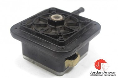KROM-SCHRODER-DWL03AG-DIFFERENTIAL-PRESSURE-SWITCH3_675x450.jpg