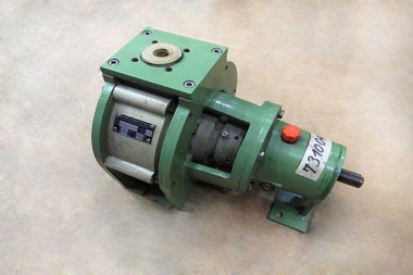 MUNSCH-NP25-200-CHEMICAL-PUMP-WITH-MECHANICAL-SEAL-3_675x450.jpg