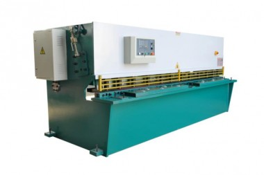 Metal-sheet-cutting-machine_675x450.jpg