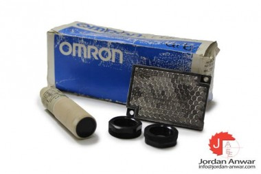 OMRON-E3F2-R2B4-P1-PHOTOELECTRIC-SWITCH-SENSOR_675x450.jpg