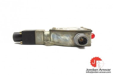 REXROTH-HED-1-OA-40-100-K6-L24-PISTON-TYPE-PRESSURE-SWITCH3_675x450.jpg