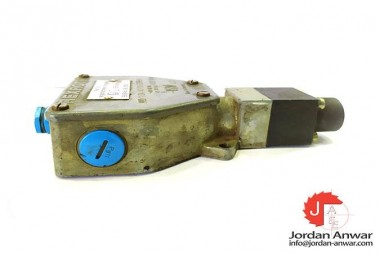 REXROTH-HED-1-OA-40100-EXFHV-PISTON-TYPE-PRESSURE-SWITCH3_675x450.jpg