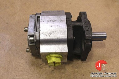 REXROTH-R900932271-INTERNAL-GEAR-PUMP3_675x450.jpg