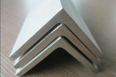 STAINLESS-STEEL-angle_675x450.jpg