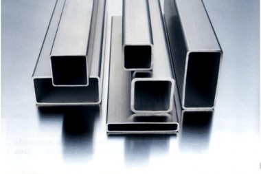 STAINLESS-STEEL-square-tube_675x450.jpg