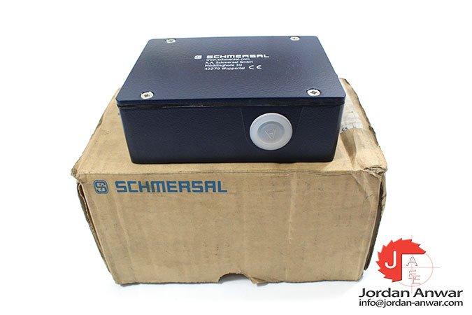 Schmersal-AZM-415-11_11ZPKA-solenoid-interlock