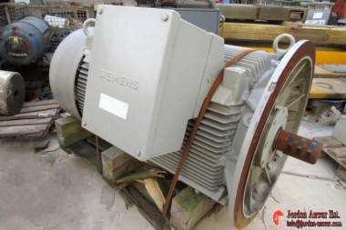 Siemens-electric-Motor-1LA83553_675x450.jpg