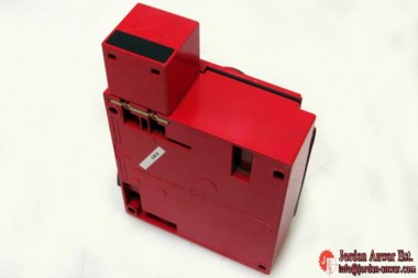 TELEMECANIQUE-XCS-E-SAFETY-INTERLOCK-SWITCH3_675x450.jpg