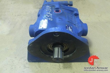 VICKERS-PVB-29-FLS-20-C11-AXIAL-PISTON-PUMP-VARIABLE-DISPLACEMENT3_675x450.jpg