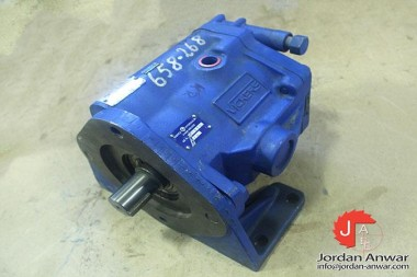 VICKERS-PVB-29-FLS-20-C11-AXIAL-PISTON-PUMP-VARIABLE-DISPLACEMENT_675x450.jpg