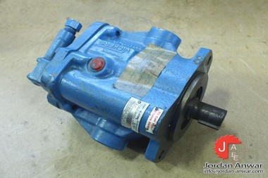VICKERS-PVB29-LS-20-C-11-AXIAL-PISTON-PUMP-VARIABLE-DISPLACEMENT_675x450.jpg