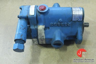 VICKERS-PVB5-RS-20-C-11-S124-VARIABLE-DISPLACEMENT-PISTON-PUMP3_675x450.jpg
