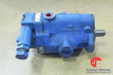 VICKERS-PVQ10-A2R-SE1S-20-C21-12-AXIAL-PISTON-PUMP-VARIABLE-DISPLACEMENT3_675x450.jpg