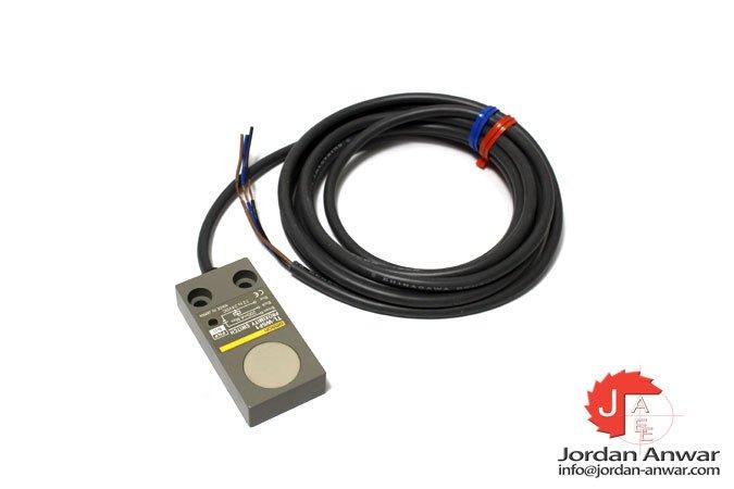 omron-TL-W5F1-inductive-proximity-sensor