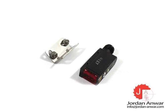 omron-E3S-AD36-photoelectric-diffuse-sensor