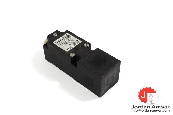 telemecanique-XSC-H157339-inductive-sensor