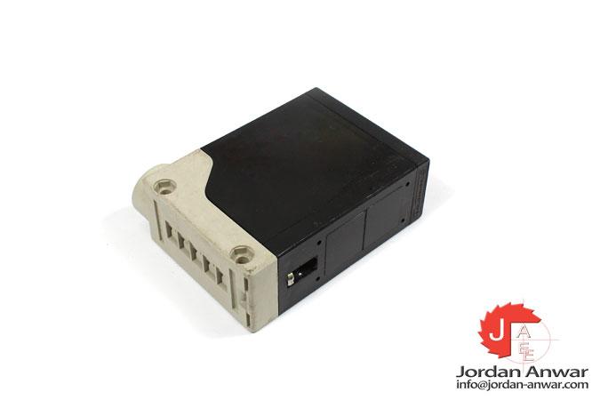 telemecanique-XUE-F10031-photoelectric-retro-reflective-sensor