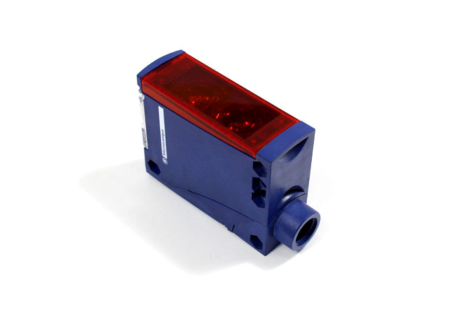 telemecanique-XUX0ARCTT16-multimode-photoelectric-sensor-1