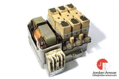 siemens-3TA28-220-v-ac-coil-contactor