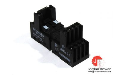 Schneider-RXZE2M114M-relay-socket