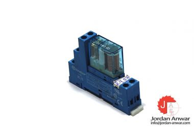 finder-40.52-relay-with-95.75-socket
