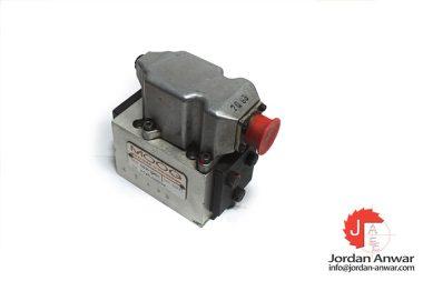 moog-d631-236c-servo-control-valve-2