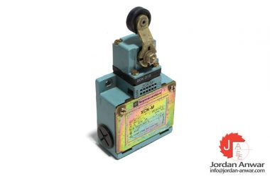 telemecanique-ZCK-M1-limit-switch-with-thermoplastic-roller-lever