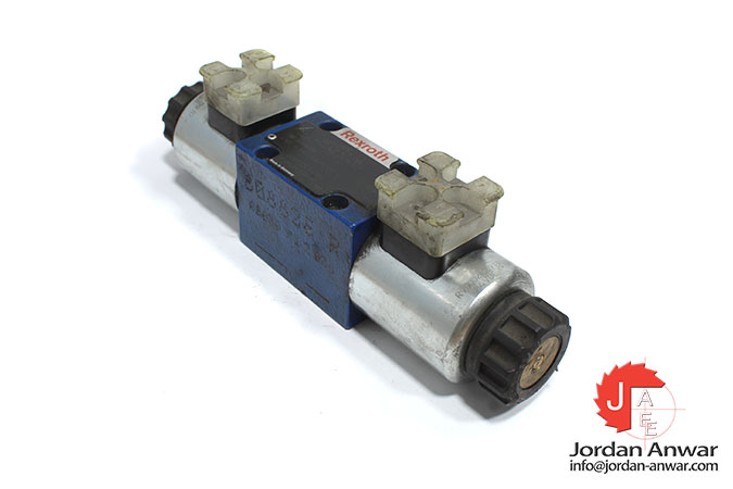 Rexroth-R900561286-solenoid-operated-directional-valve