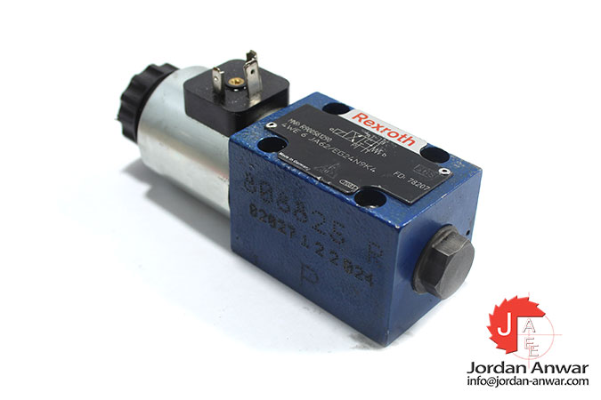 Rexroth-R900561290-solenoid-operated-directional-valve