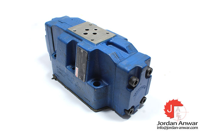 Rexroth-R900925796-pilot-operated-directional-valve