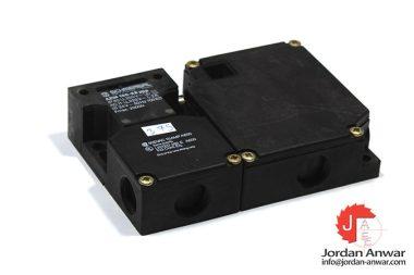 schmersal-AZM-160-22YPA-safety-switch