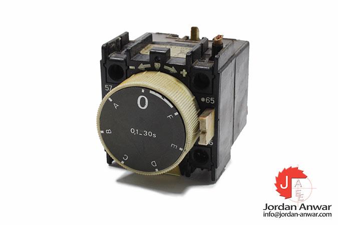 telemecanique-LA2-D2-time-relay