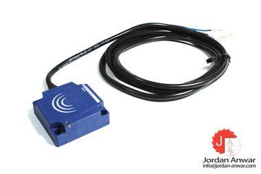 telemecanique-XS7C1A1PAL2-inductive-sensor