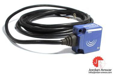 telemecanique-XS7E1A1NAL2-inductive-sensor