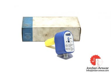 ege-SNT-10413-flow-monitor-compact-device