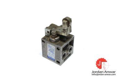 festo-8993-toggle-lever-valve-with-idle-return