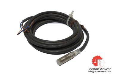 omron-E2EG-X1R5C1-cylindrical-proximity-sensor