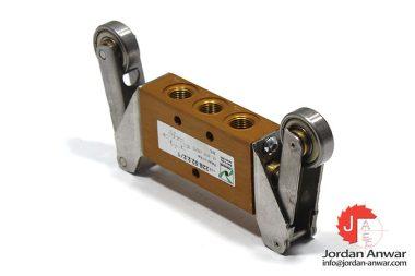 pneumax-228.52.2.2_1-roller-lever-valve